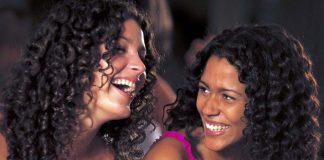 Tretmani za volumen i sjaj kose: maske za kosu po receptu prelepih Indijki