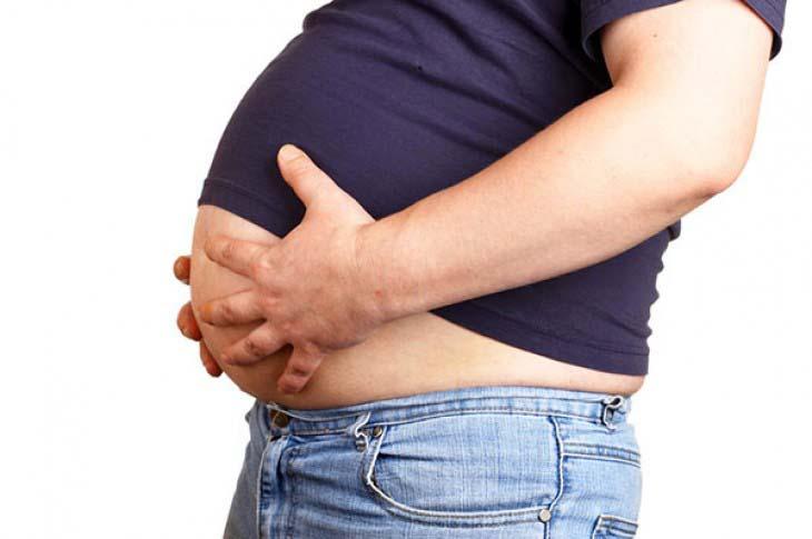 Nakupljene masne ćelije na području donjeg dela stomaka