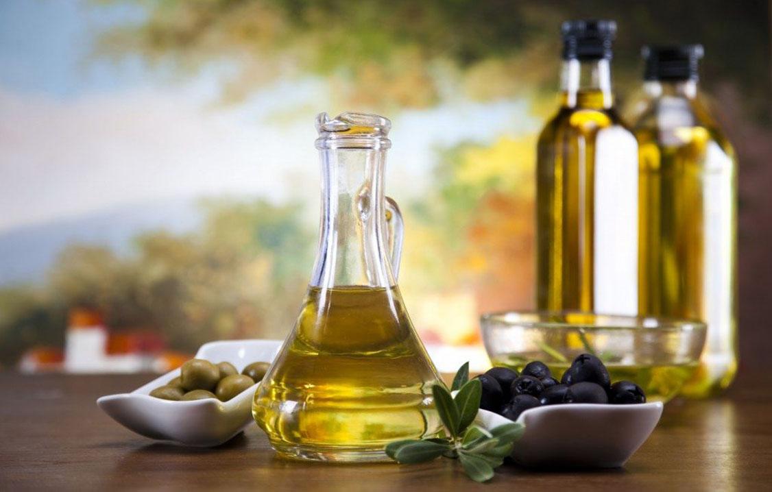Maslinovo ulje, rotkva, ren i med čiste organizam